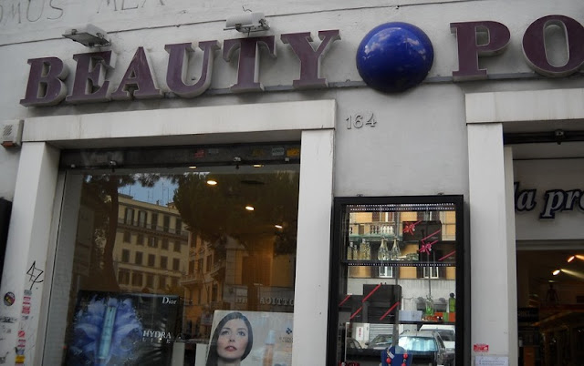 Compra de perfumes na loja Beauty Point em Roma