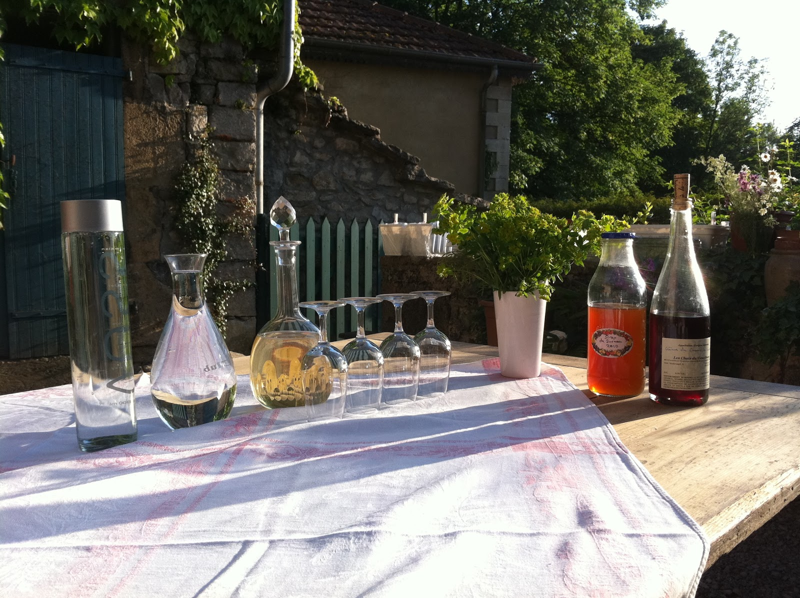 not drinking poison in paris 2011 while tooling around the jura on our bikes we stayed at a new chambre d hocircte in poligny called les jardins sur glantine run by vigneron ludwig