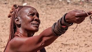 Una mujer de la tribu Himba