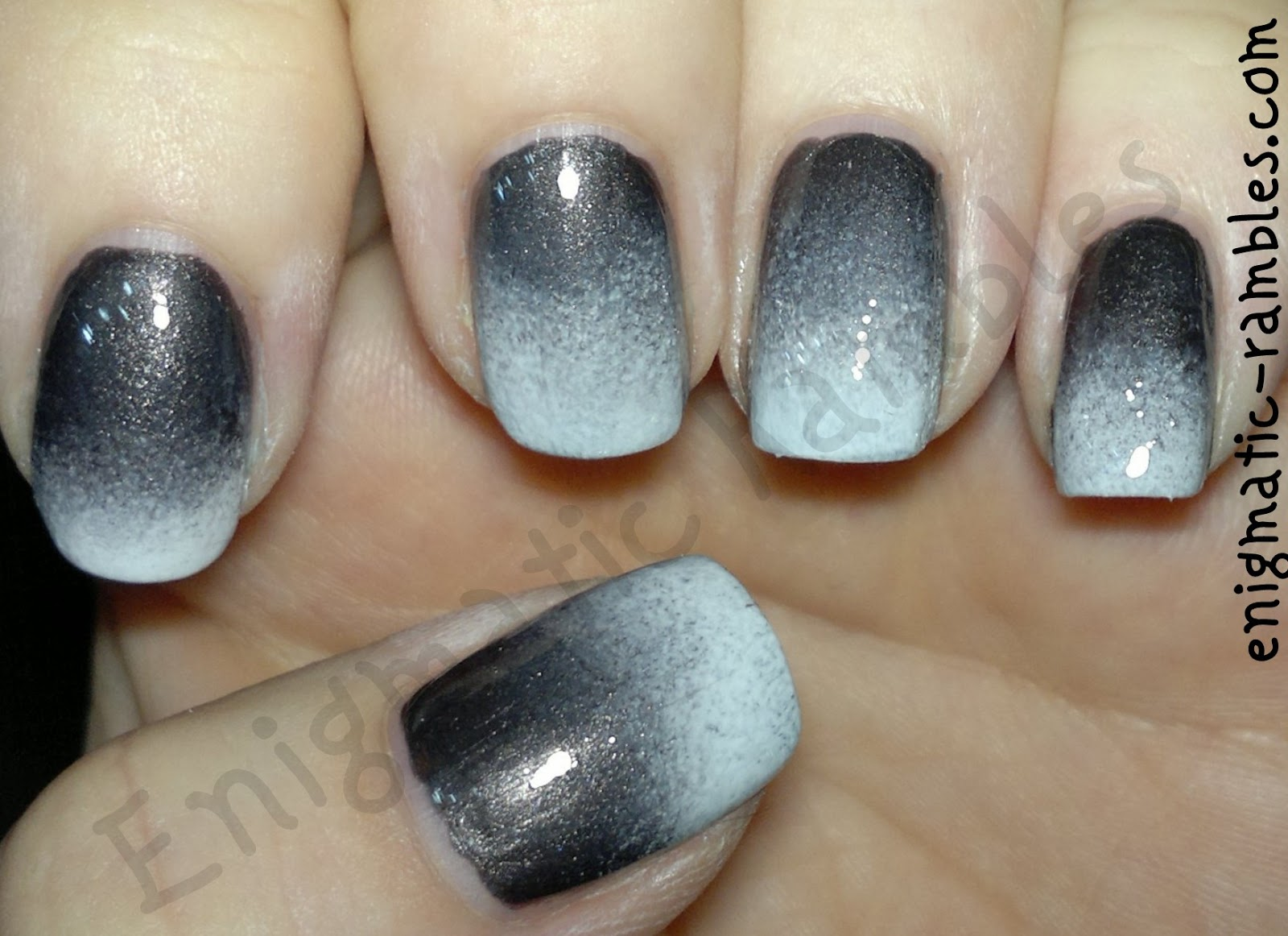 grey-white-gradient-nails-nail-art-sponge-revlon-steel-her-heart-sally-hansen-lavender-cloud