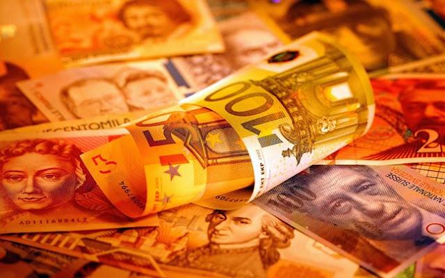 Η κλιμάκωση του νομισματικού πολέμου οδηγεί σε επικίνδυνες εξελίξεις