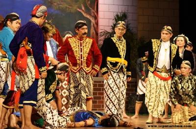Pengertian, Jenis, Ciri, Unsur, dan 4 Fungsi Seni Teater (Drama) Beserta Contohnya Menurut Para Ahli Terlengkap