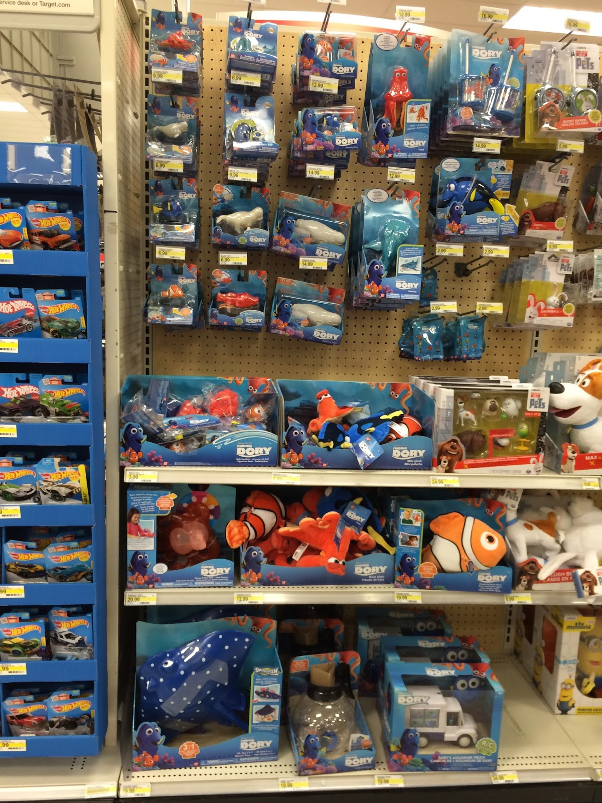 Target Toy Walmart : Dan the pixar fan events finding dory merch release