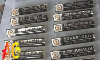 Tempat Percetakan Name Tag Lencana nama dada Kuningan stainless Murah Di Bengkulu