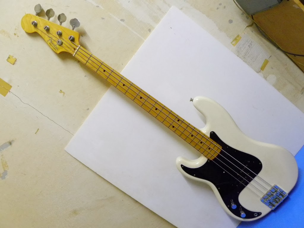 ca gear blog fender japan left handed precision bass. Black Bedroom Furniture Sets. Home Design Ideas