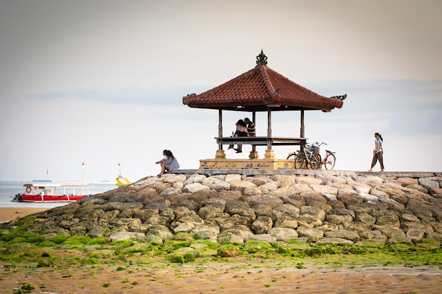 Pagoda Lungomare e spiaggia di Sanur, Bali