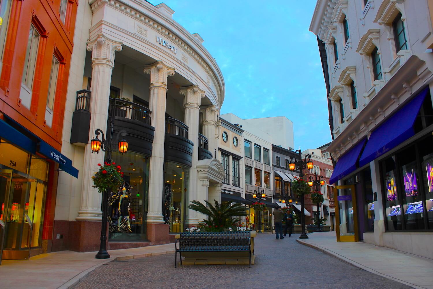 rodeo drive street