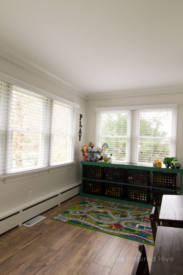 Lots of playroom ideas in this vintage schoolhouse themed kid's space!