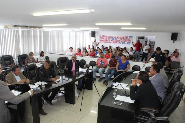 Agentes de endemias e agentes comunitários de saúde  de Delmiro Gouveia solicitam apoio dos vereadores durante sessão ordinária