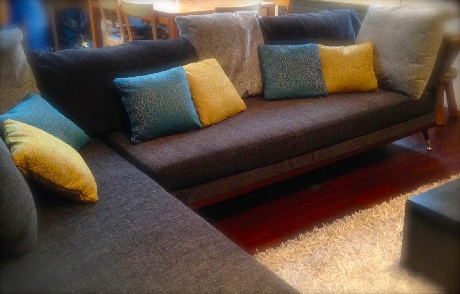 atelier anne lavit artisan tapissier d corateur 69007 lyon le canap ses coussins. Black Bedroom Furniture Sets. Home Design Ideas