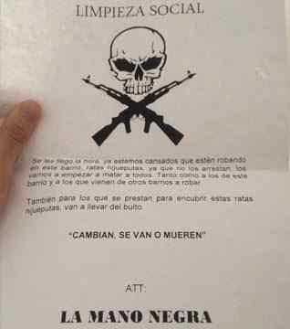 Uno de los amenazadores panfletos. FOTO: Caracol