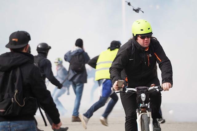 Explosion d'une grenade, Nantes, Emeric Cloche