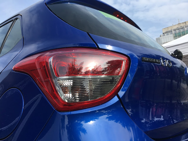 Hyundai Grand i10 2017 phiên bản Hatchback 5 cửa màu xanh dương Hyundai i10 5 cua mau xanh 2B 25283 2529