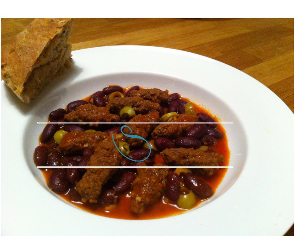 """Tunisian ground beef with mint, red bean and olive Stew - Ragoût de viande hachée à la menthe, haricots rouge et olives, """"Tajine Merguez"""""""