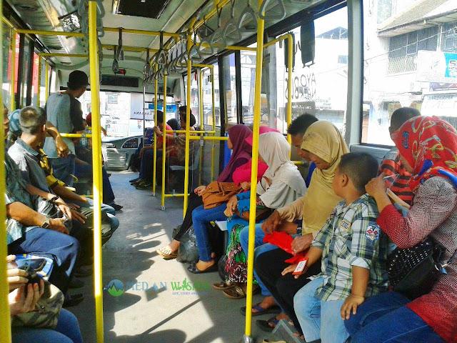 Jalan-Jalan ke Binjai dengan Bus Mebidang