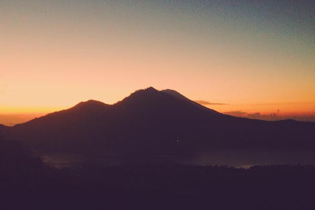 indahnya sunrise gunung batur kintamani