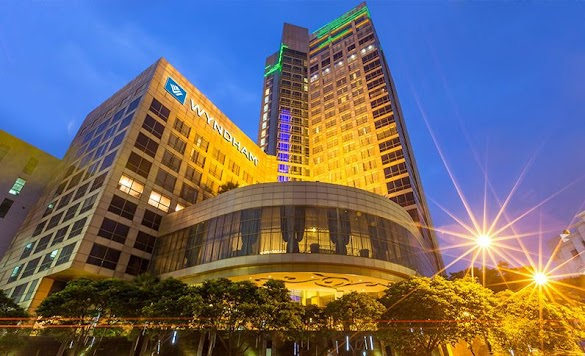 Hotel Pullman Surabaya, Rebranding Jadi Wyndham Hotel