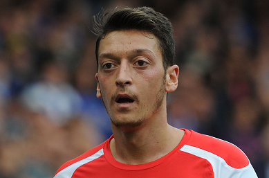 Arsenal star Mesut Ozil returns to training
