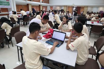 Para peserta berdiskusi secara aktif dalam kegiatan Business Group Challenge
