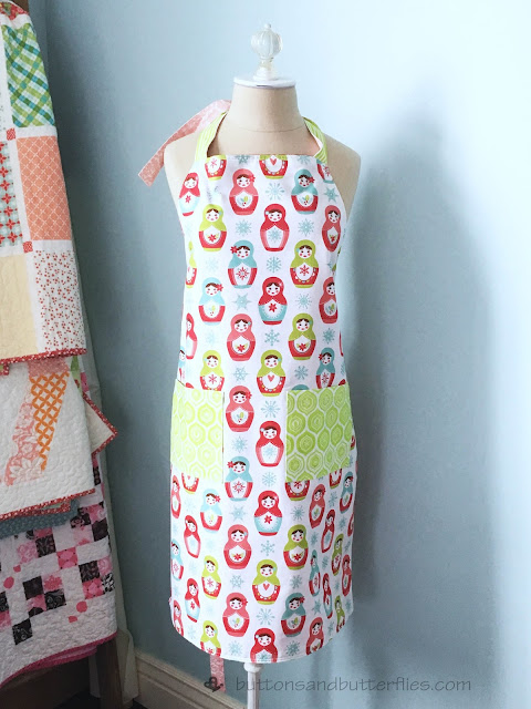 http://www.buttonsandbutterflies.com/2017/12/reversible-christmas-everyday-apron.html