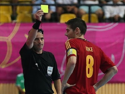 Pelanggaran dan Sangsi Hukuman kartu kuning dan merah dalam Futsal