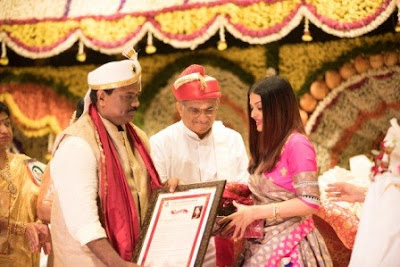 aishwarya-rai-bachchan-bestowed-with-women-of-substance-award