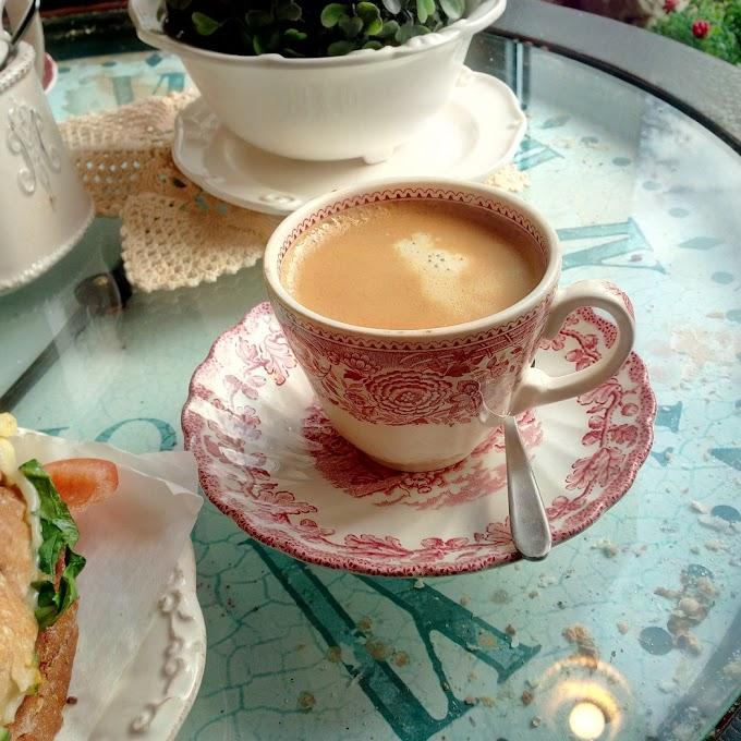 Kawka i tost | Szugar Bejb Cafe | Wałbrzych