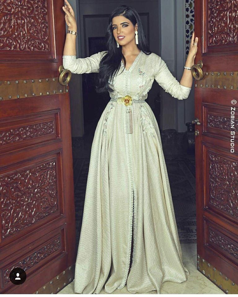 Kaftan Maghribi Moderne : Caftan styles modernes en vente sur mesure