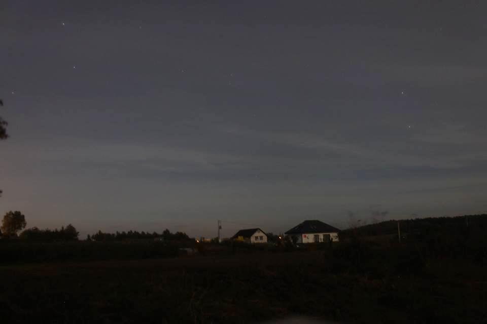 Subtelna zorza polarna sfotografowana 13.10.2016. Żelistrzewo, pomorskie. Autor: Maciej Wesserling