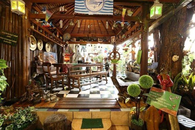 Mbah Jingkrak - Tempat Makan Unik di Jakarta