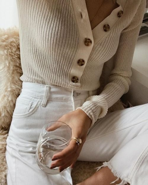 ribbed cream cardigan tortoiseshell button white jeans denim