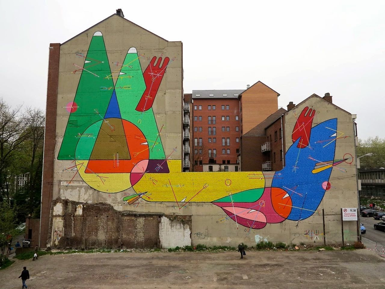 While we last heard from him a few months ago with Okuda and Suso33 in Madrid (covered), Sixe Paredes is now in Charleroi, Belgium where he just finished working on this stunning new piece. 1