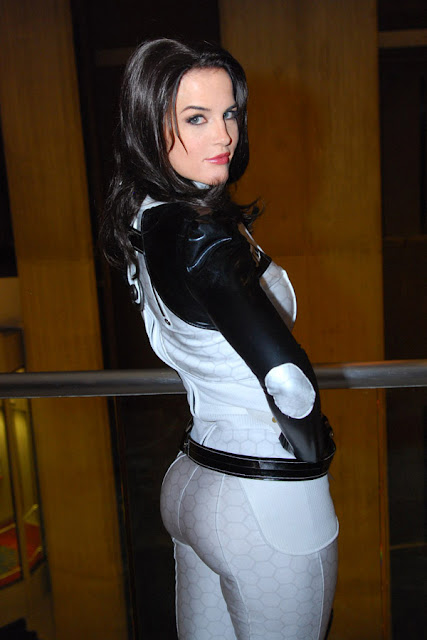 miranda cosplay mass effect
