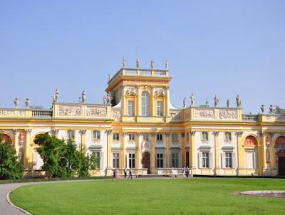 Le-palais-de-Wilanów-en-Pologne.JPEG