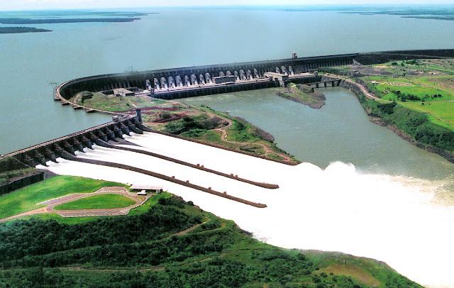 Resultado de imagem para foto de usina hidrelétrica