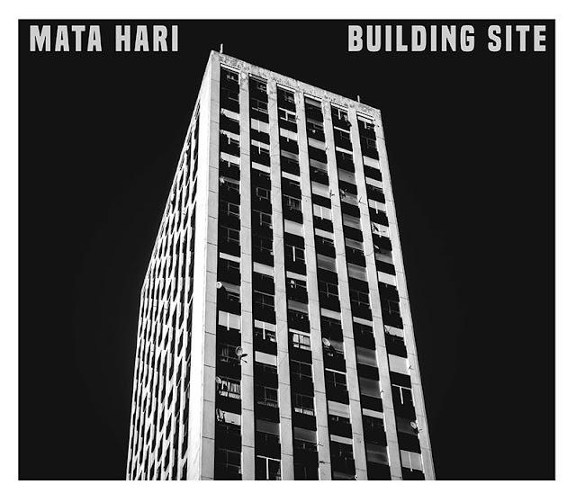 Avec Factory, le rock de Mata Hari fleure bon la révolte industrielle.