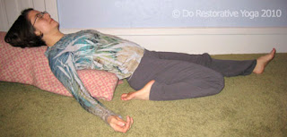 do restorative yoga supported reclining hero's pose