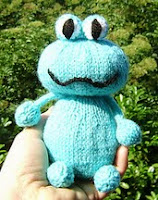 http://www.ravelry.com/patterns/library/grenouille