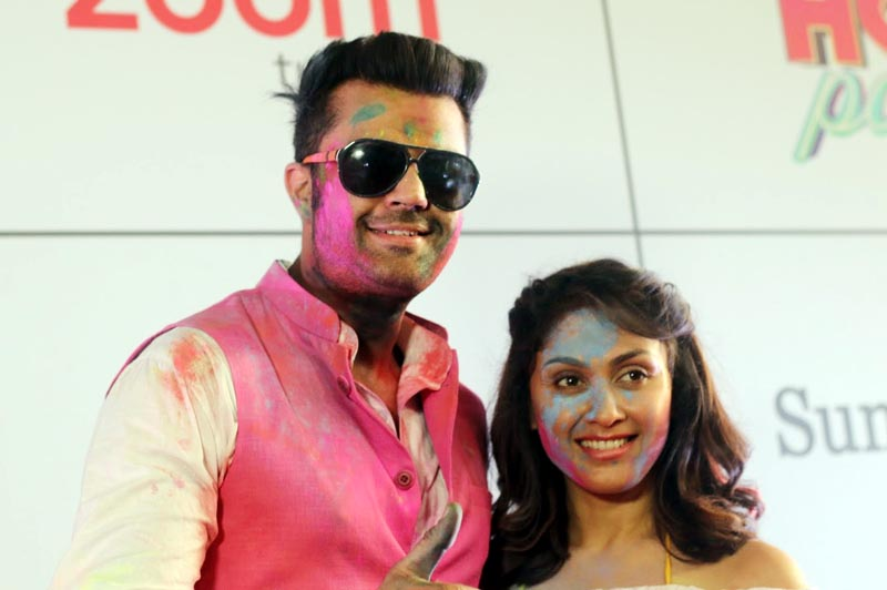 Maniesh Paul and Manjari Phadnis at Zoom Holi Party 2018