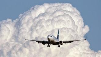 Waduh ...Samin Karawang Katanya Bisa Terbang Melayang Sampai Awan