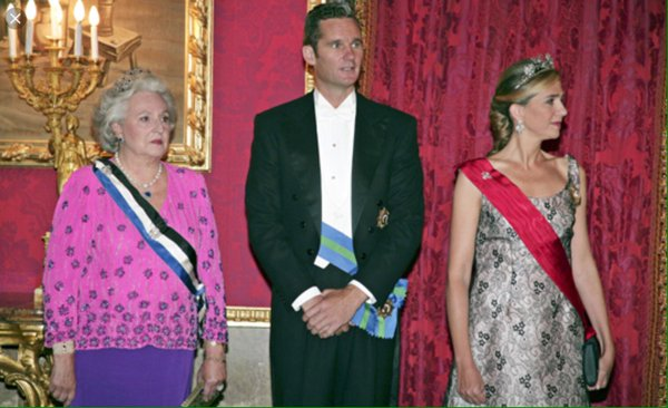 """La tía del rey Felipe VI reconoce su implicación en el escándalo de los """"Papeles de Panamá"""""""