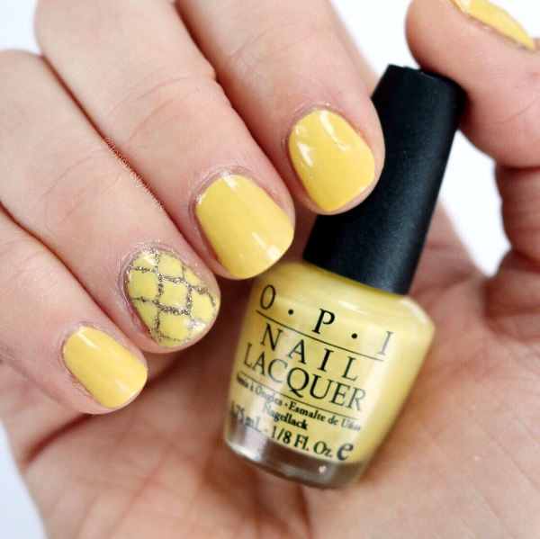 Yellow and Gold Spring Nail Art 2017, OPI My Favorite Ornament, OPI Fiercely Fiona Mini, Moroccan Nail Art Vinyl - Tori's Pretty Things Blog