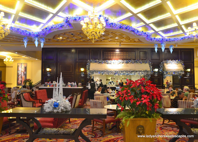 Cafe Maxims in Resorts World Manila