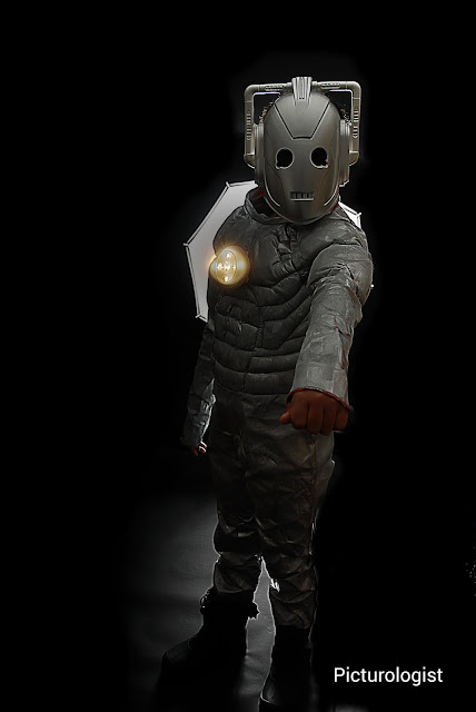 DIY Doctor Who Cyberman Costume | photo by K. Johnson, Picturologist