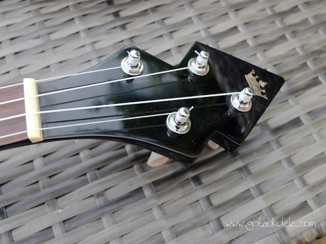 DUKE Banjouke ukulele headstock