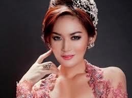 Foto Foto dan Biodata Maria Selena Miss Universe