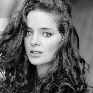 Erika Kaar age, hot, shivaay actress, actress, bikini, date of birth, kiss, in bikini, feet, image, movies