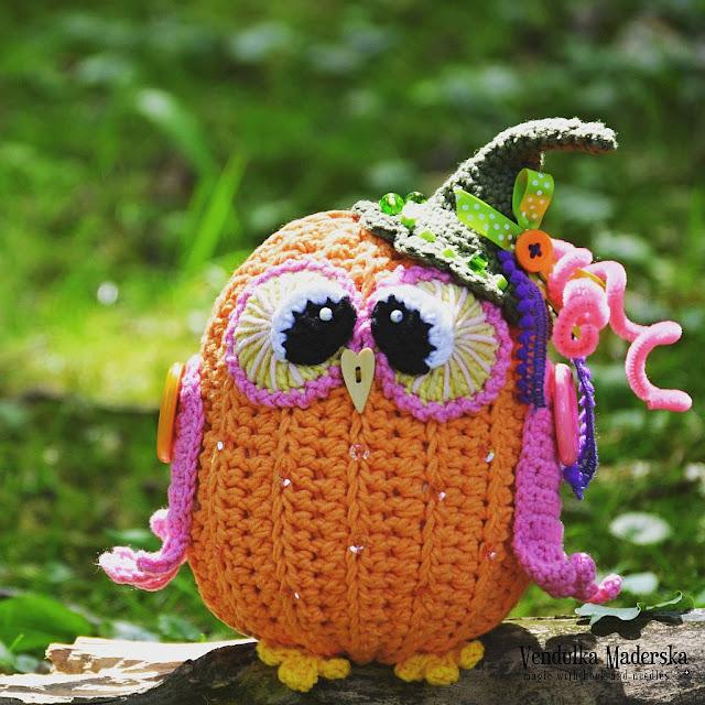 Pumpkin owl by Vendula Maderska