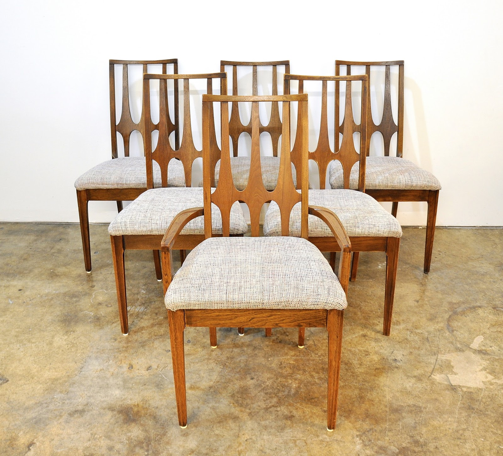 SELECT MODERN: Set of Six Broyhill Brasilia Dining Chairs