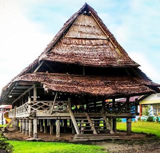 Keunikan-Rumah-Adat-Tradisional-Baileo-Maluku